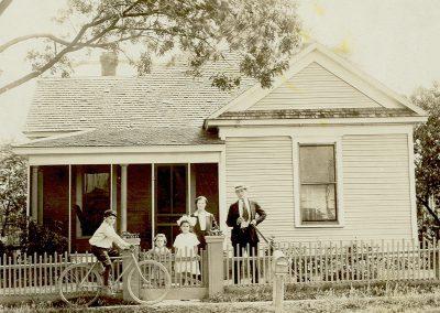 Joe Meyer Family Home on Harwood, 1923